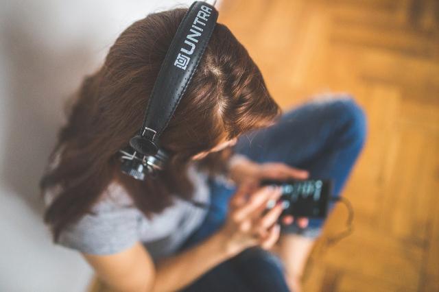 Praznične pesme, koje slušamo i kada praznici prođu!