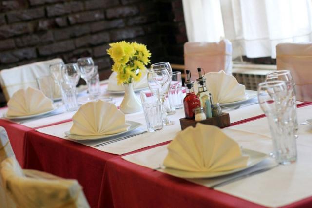 Doček Nove godine uz tradicionalne srpske specijalitete - restoran Novi sport